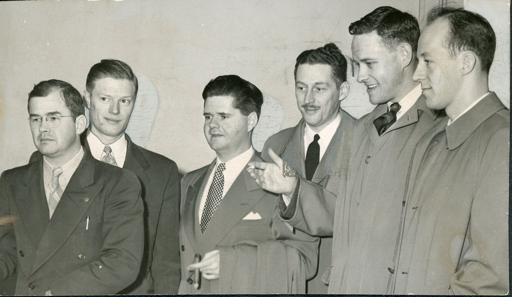 McCall (2nd from right) with Young Republican delegates in Salem, 1948