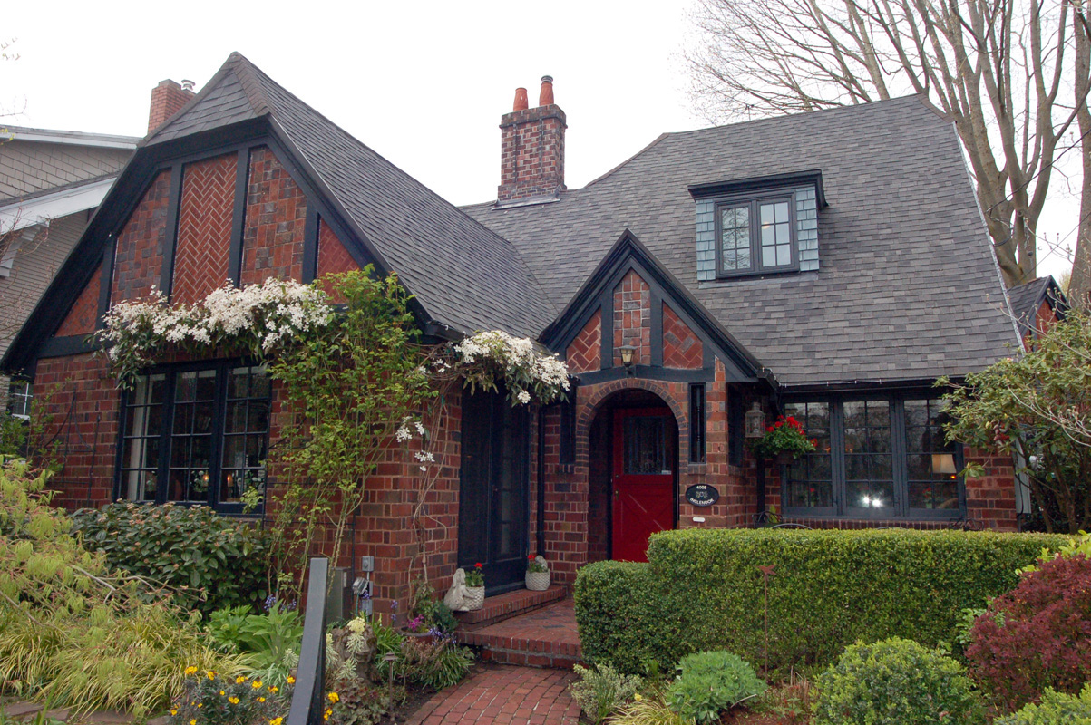 Brick house beautiful for Building a house in portland oregon