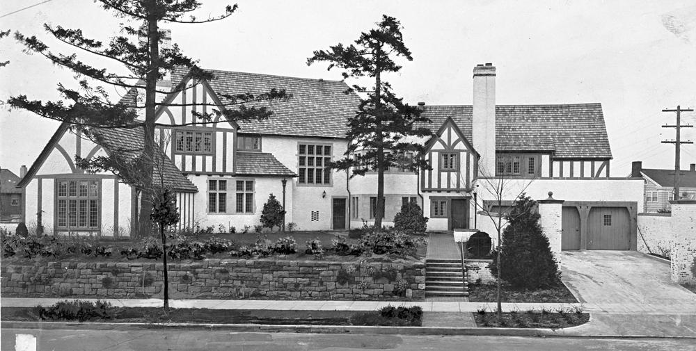 Autzen House