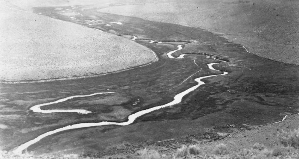 Crooked River, aerial, 1920