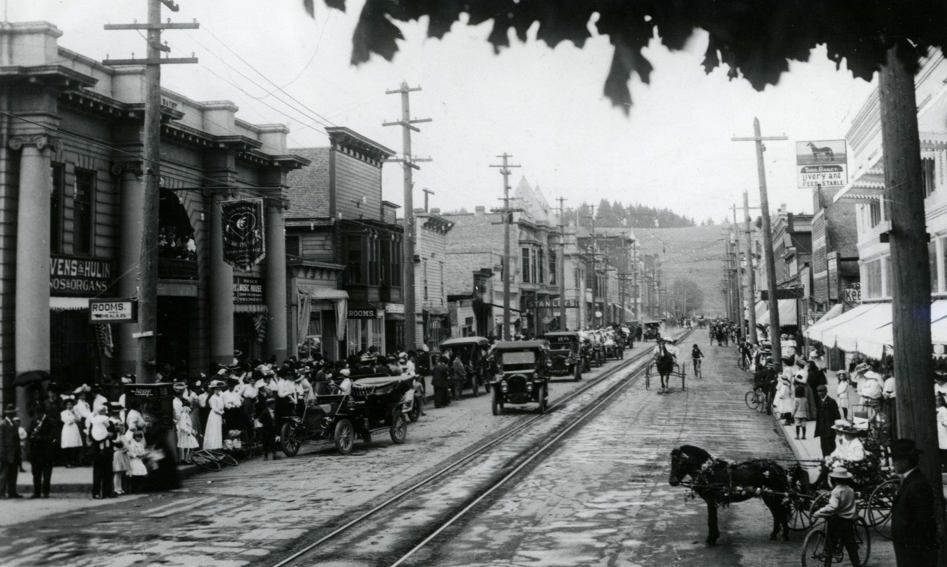 Auto parade and rose show in Eugene, c.1912