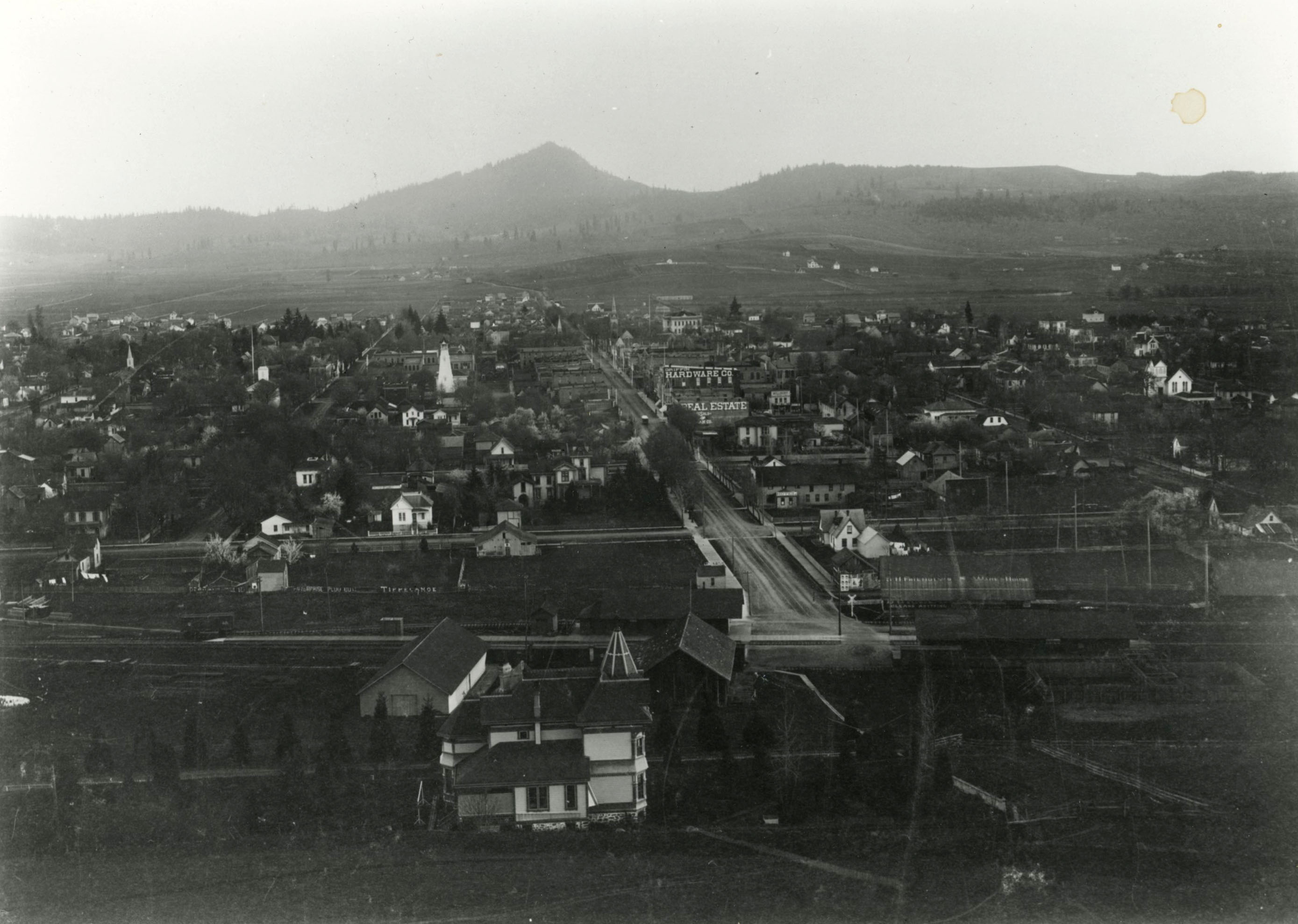 Eugene, looking south, 1888; Spencer Butte in the distance; Dr. Thomas Shelton house in center foreground