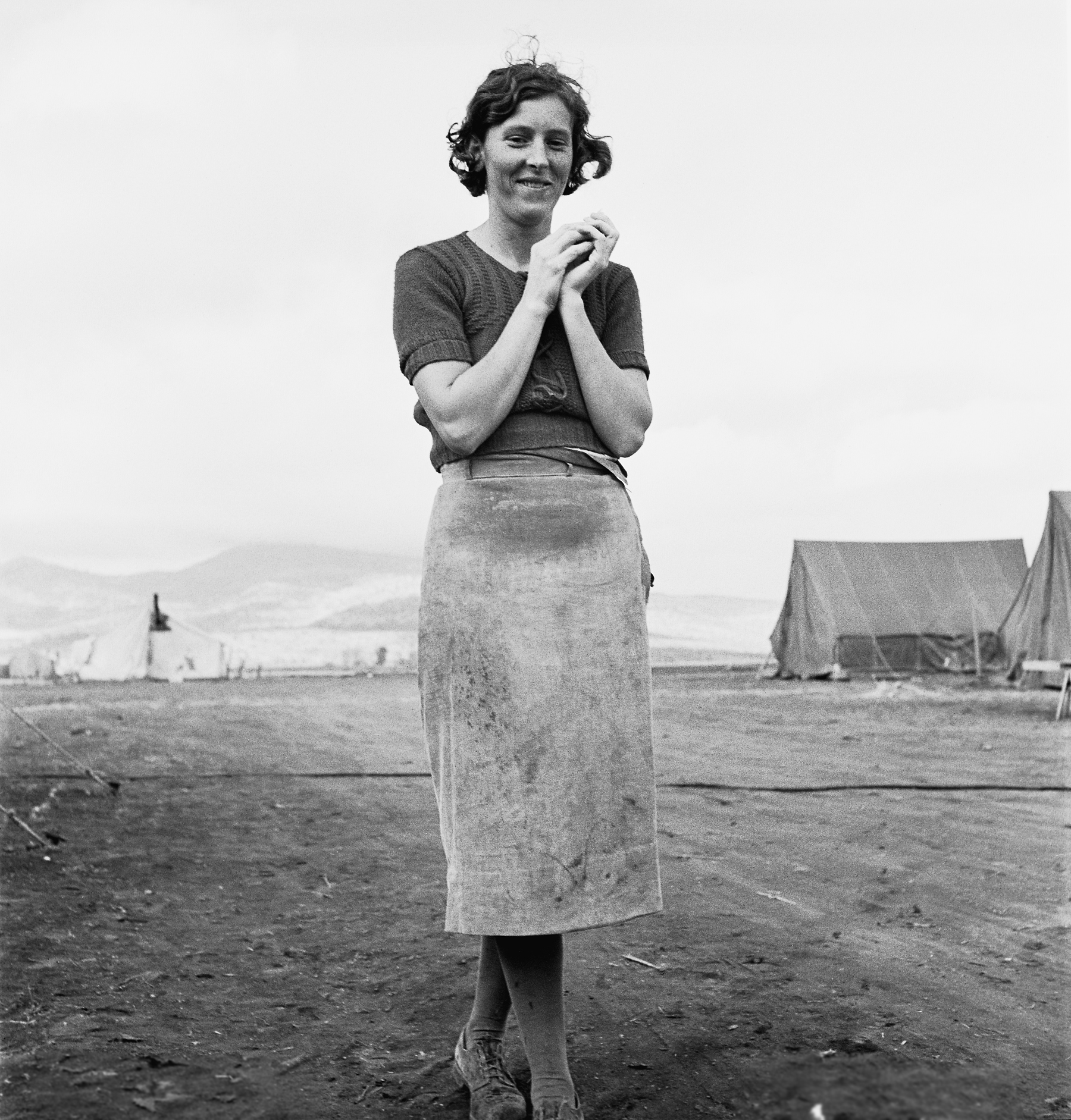 dorothea lange research paper Dorothea lange, photographer essay, research paper dorothea lange dorothea lange was born in 1895 in hoboken, new jersey her household had come from germany to.