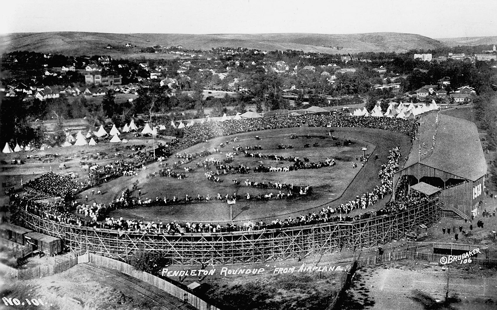 Pendleton Round-Up at 100 : Oregon's Legendary Rodeo (2010, SB) Cowboys History