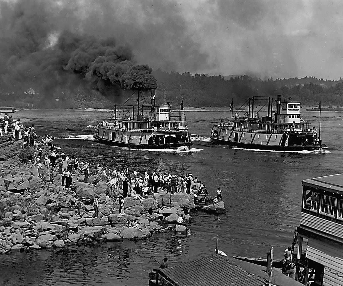 Steamboats racing on the Willamette, 1937, OrHi 92053