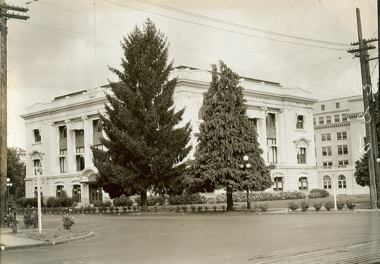 View of Oregon Supreme Court building from the southeast, c.1930.