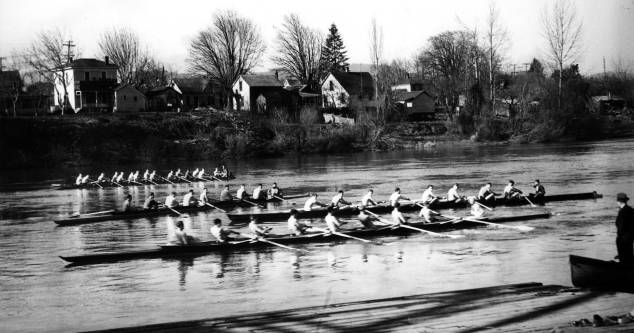 Willamette R., crew team on
