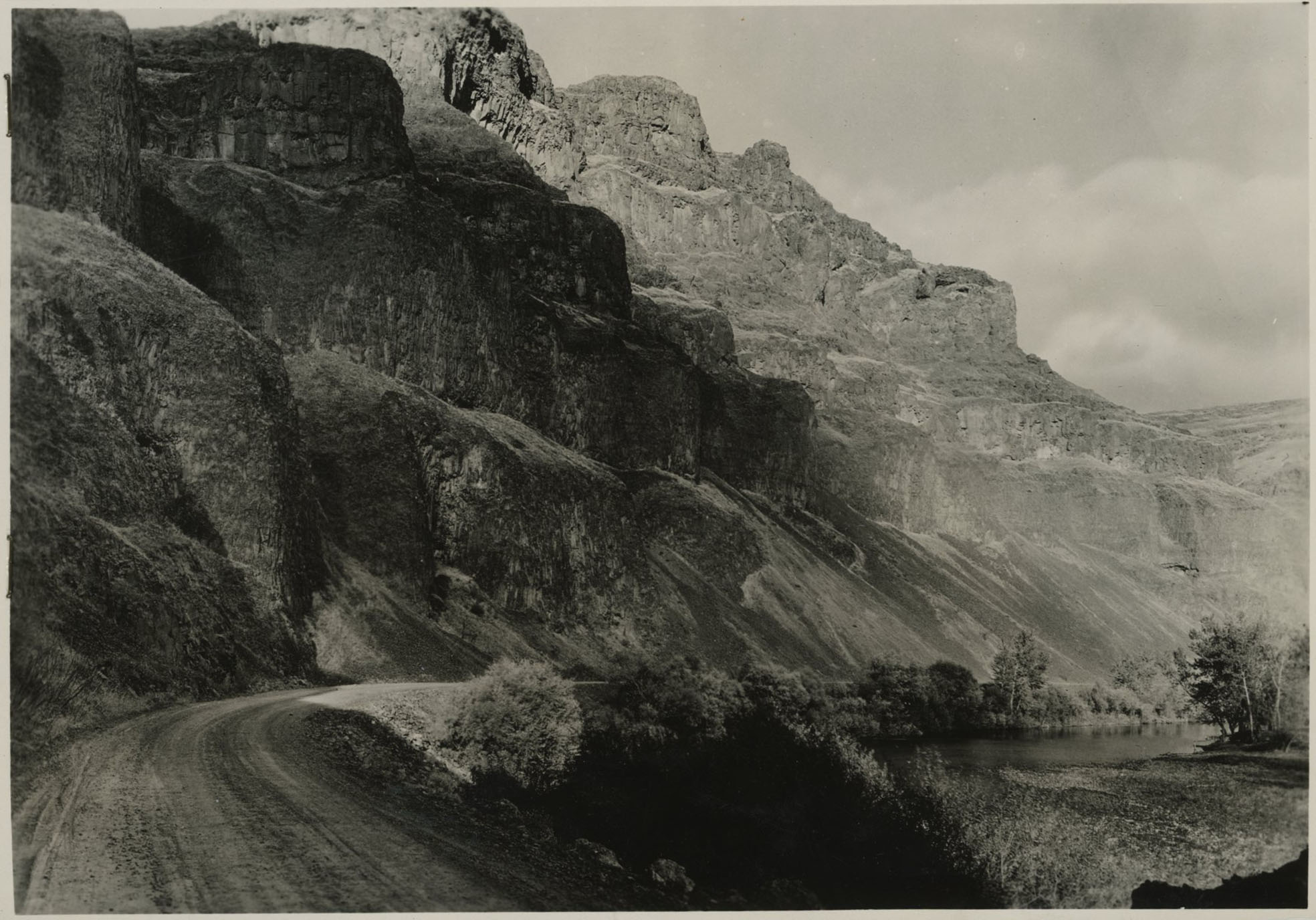 Basalt bluffs along John Day River Canyon, 1937