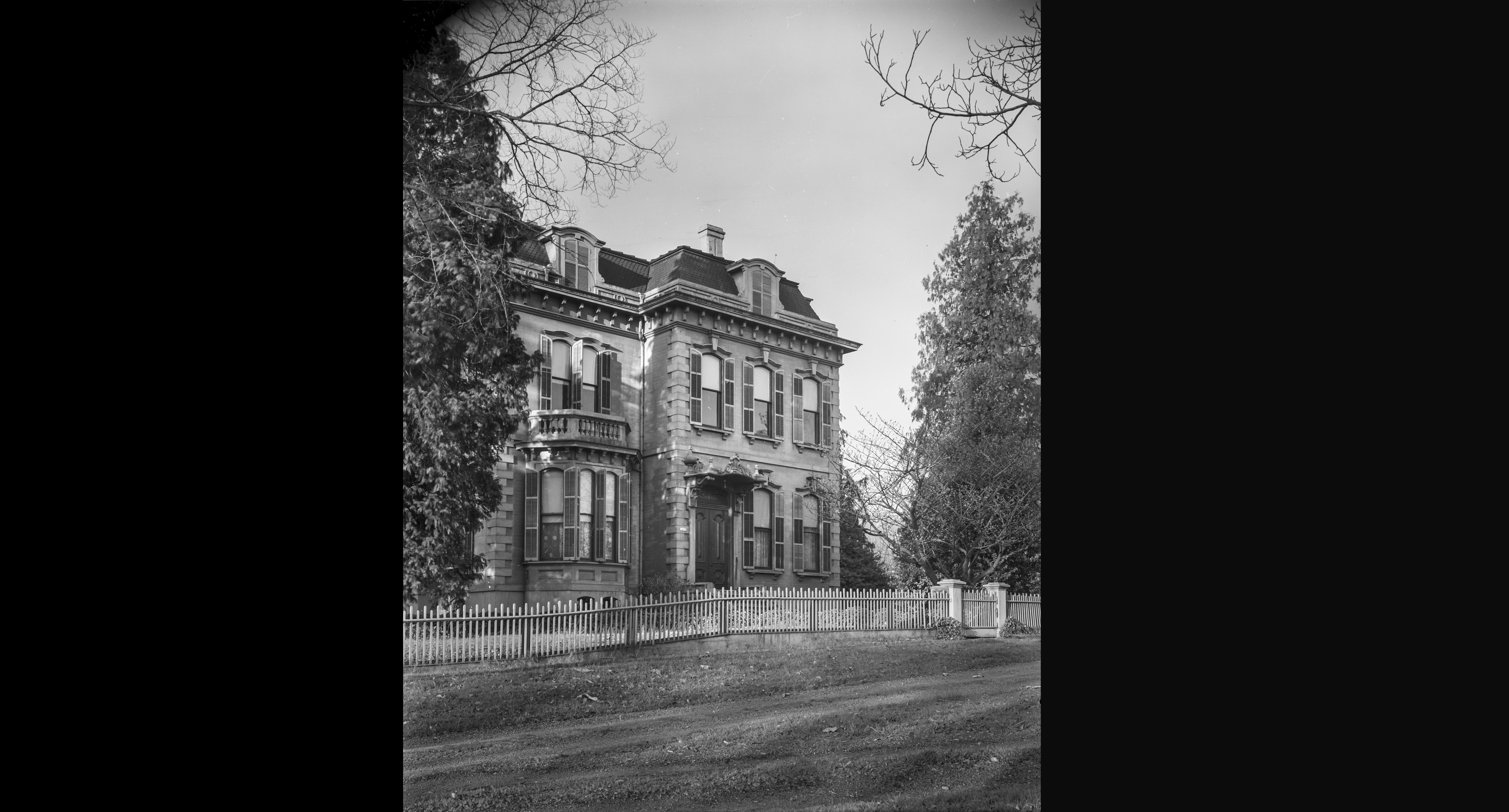 Kamm House, SW Fourteenth and Main, March 27, 1939