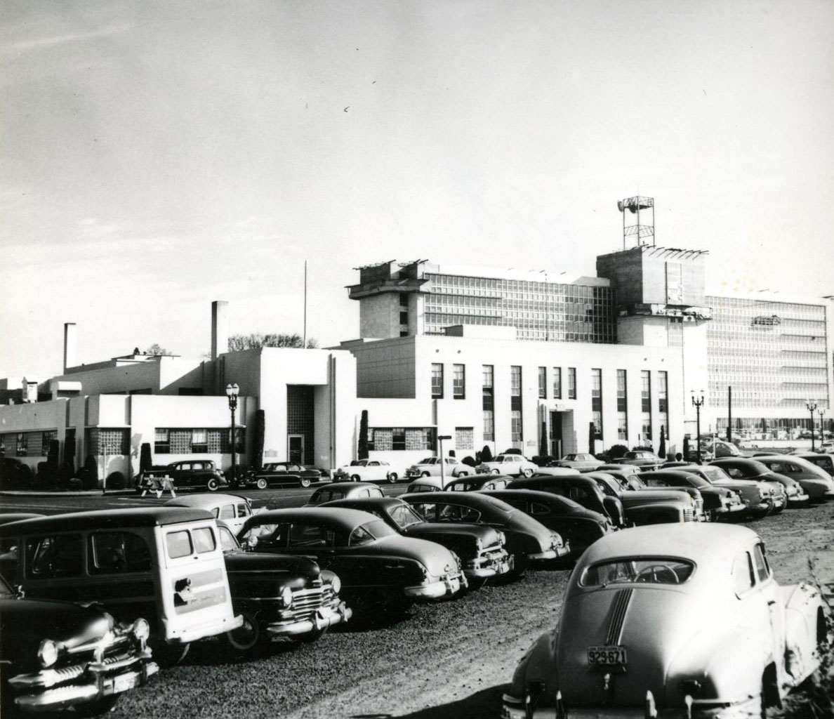 Complex of BPA buildings on Lloyd Blvd. and Oregon Street, 1954