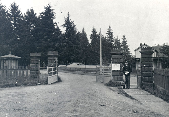 Entrance gate to barracks, 1898