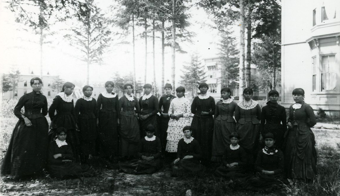 Group of young women at Chemawa, 1887. Courtesy Oregon Hist. Soc. Research Lib., 0173G024.