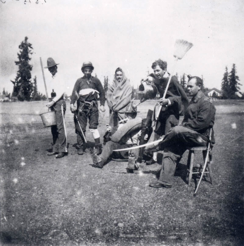 Oregon Volunteers, Battery A, Vancouver Barracks, c. 1898