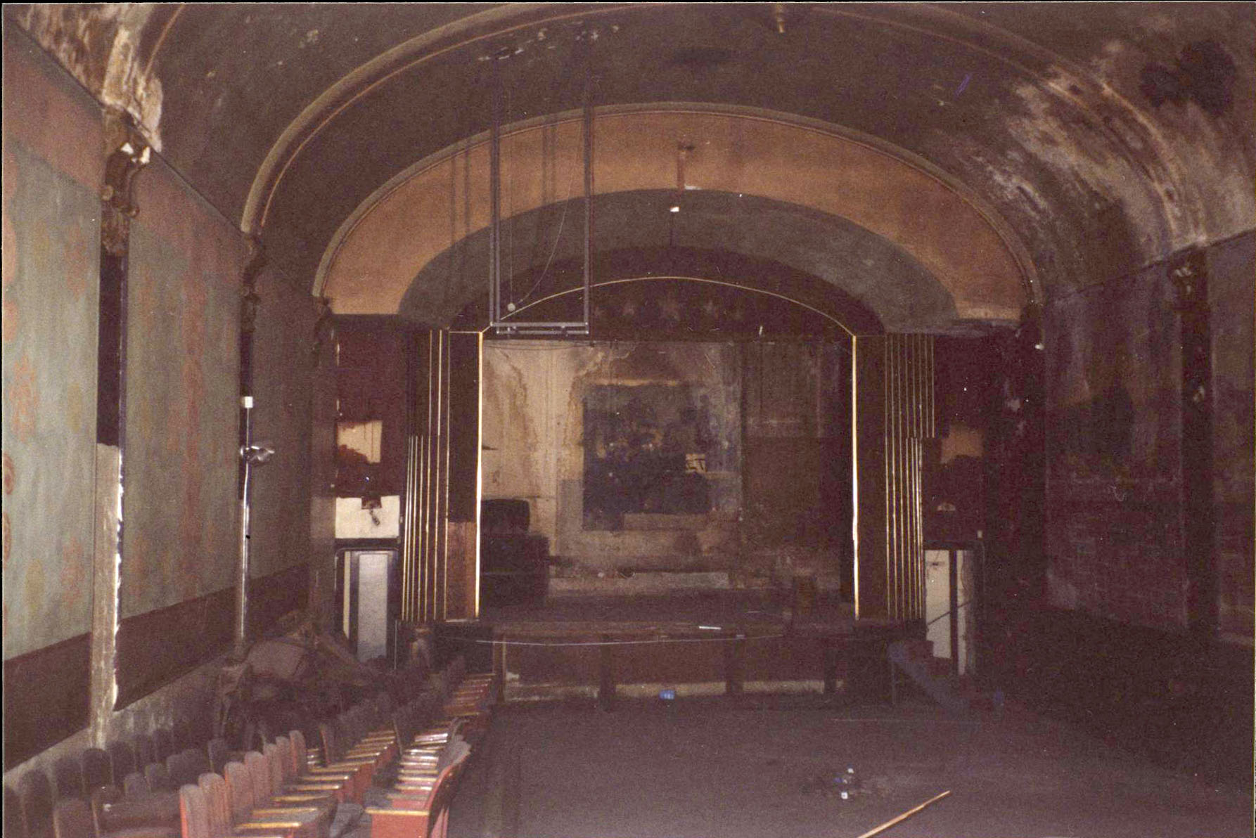 Star Theater, NW 6th between Couch and Burnside, before it was restored and opened as a music venue