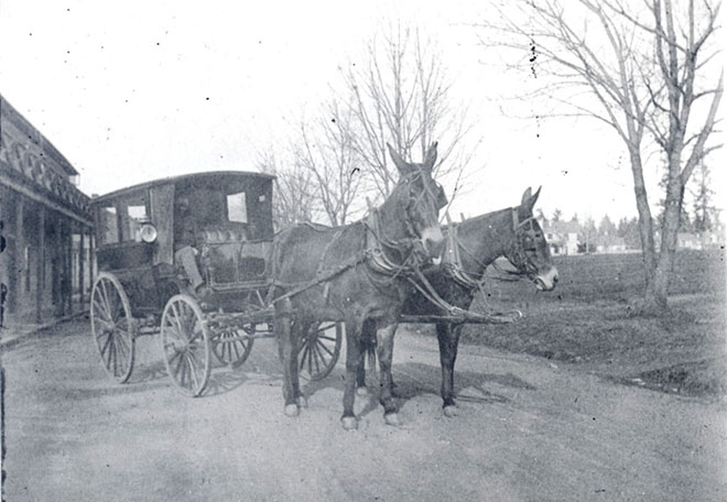 Post ambulance, Fort Vancouver, c.1898