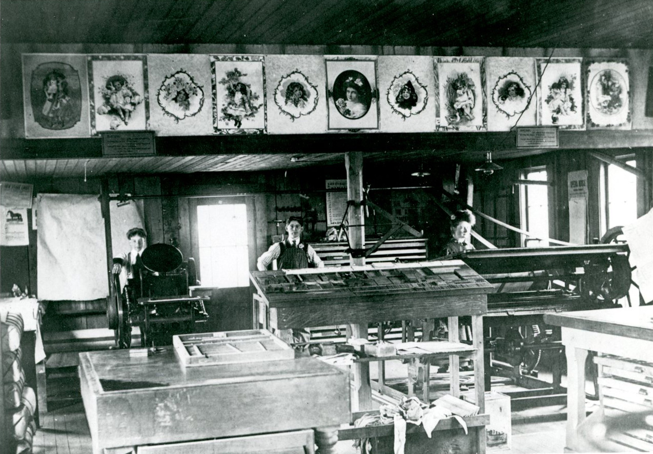 Tillamook Herald newspaper office, 1907