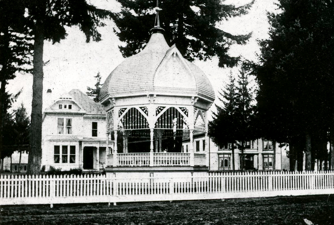"View of ""onion""-roofed bandstand, Chemawa, c.1900. Courtesy Oregon Hist. Soc. Research Lib., OrHI9915."